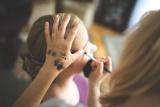 活動髮型及化妝